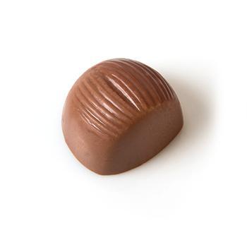Melkchocolade praline met hazelnoot creme